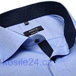 Na obrázku je jedna z nejvíce populárních košile Eterna - modrá košile s kontrastními vnitřním límcem